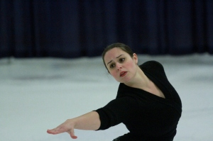 Kate performs with Ice-Semblé Chicago